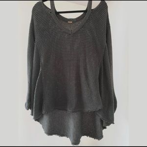 Free People - (Like New) Cozy High Low Sweater